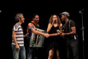 Espetáculo Musical com a participação de artistas dos dois países, no âmbito das comemorações dos 550 anos do descobrimento e 35 anos de independência de Cabo Verde