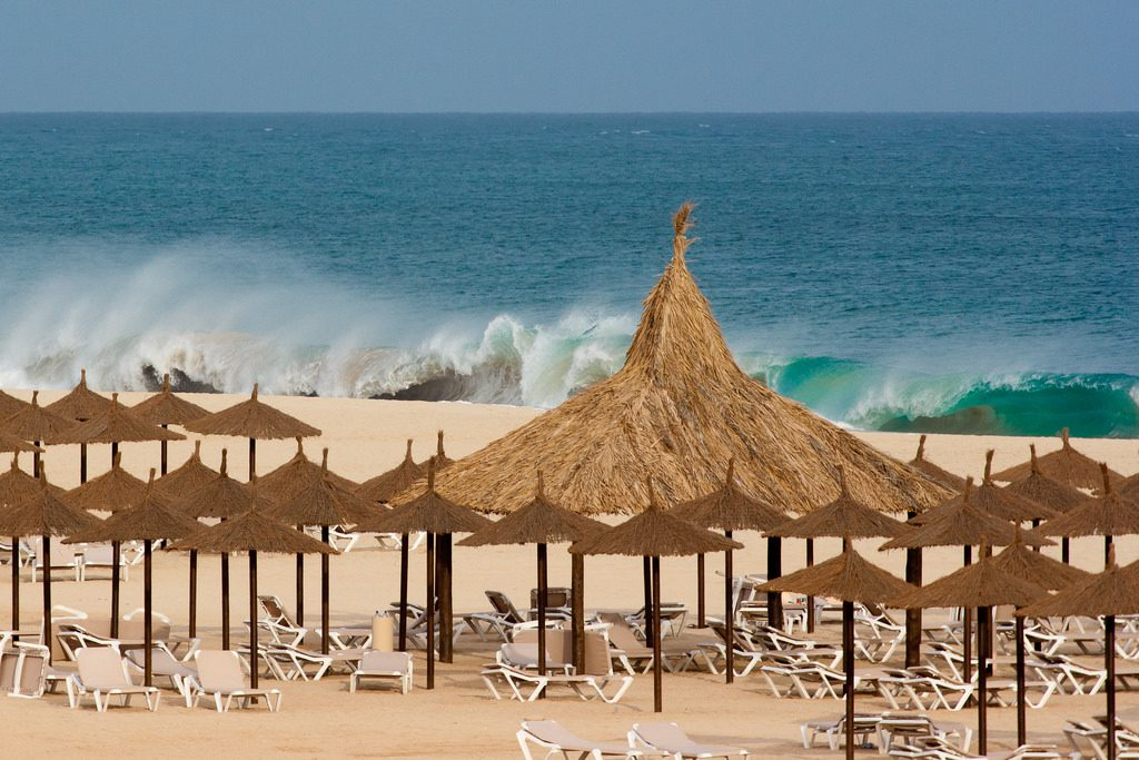Big Waves at RIU TOuareg Beach, Boa Vista Photo by: Wildwuddel CC BY 2.0