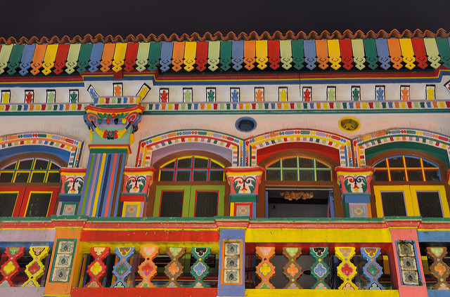 Building in Little India Photo by: Tristan Schmurr CC BY 2.0
