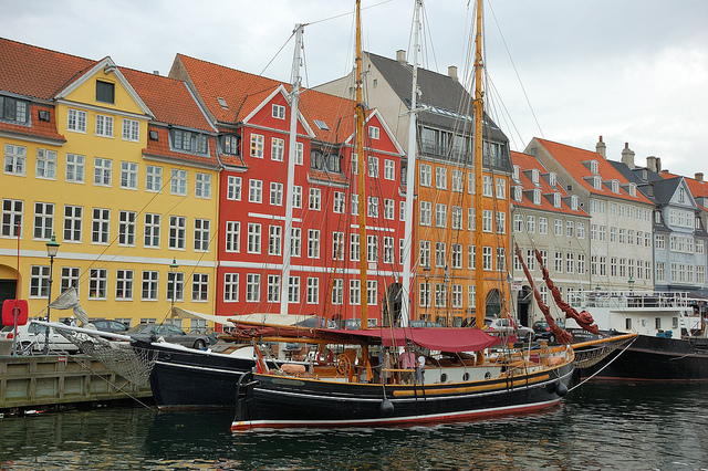 Nyhavn, Hans Christian Andersen's House Photo by: Cha gia Jose CC BY-SA 2.0