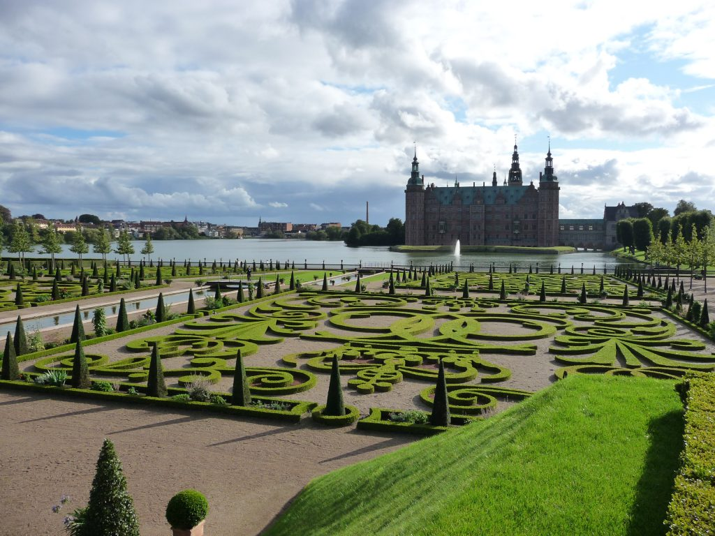 Frederiksborg Palace Photo credit: Typoagent CC BY-SA 3.0